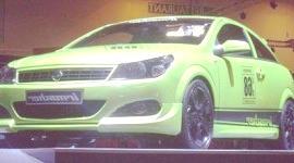 Irmscher Opel Astra GTC GPL, para Ginebra 2009