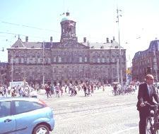 En Amsterdam solo habrá coches eléctricos y de otras energías en el futuro