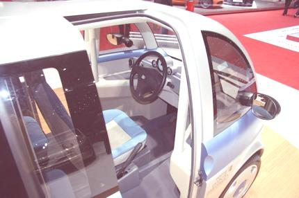 friendly-electric-urban-car-05-1024x682