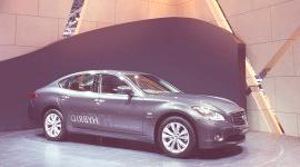 GINEBRA 2010, Infiniti M35 Hybrid (video)