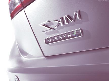 Lincoln-MKZ_Hybrid_2011 chico2