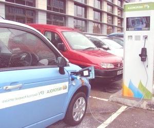 Madrid, la recarga de coches eléctricos será gratis durante dos años