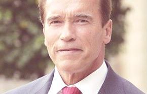 Arnold Schwarzenegger va contra los híbridos