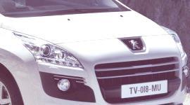 Peugeot 3008 HYbrid4 2011, primeros datos