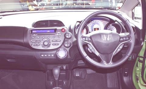 Honda Jazz Hybrid-chico2