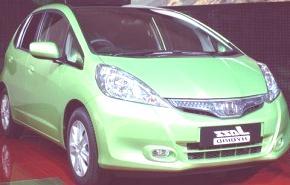 PARIS 2010, Honda Jazz Hybrid y Civic 2011 (video)