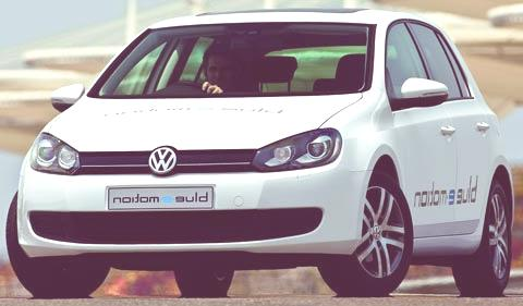 Volkswagen-Golf_blue-e-motion_Concept_2010_chico2