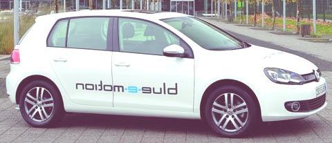 Volkswagen-Golf_blue-e-motion_Concept_2010_chico3
