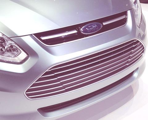 Ford C-Max Energi-chico01