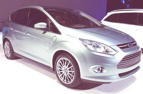 Ford C-Max Energi-chico02