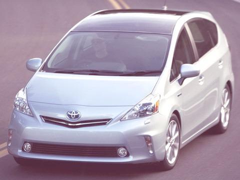 Toyota Prius V 2011-chico01