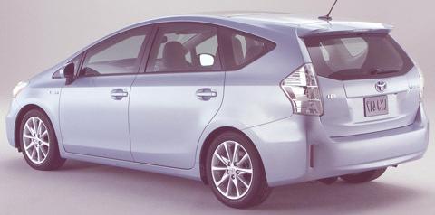Toyota Prius V 2011-chico02