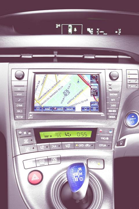 Toyota-Prius-2012-chico1