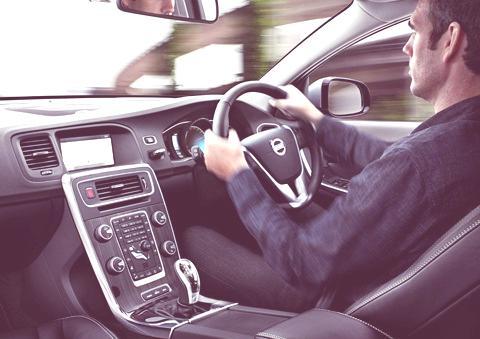 Volvo V60 Hybrid 2012-04