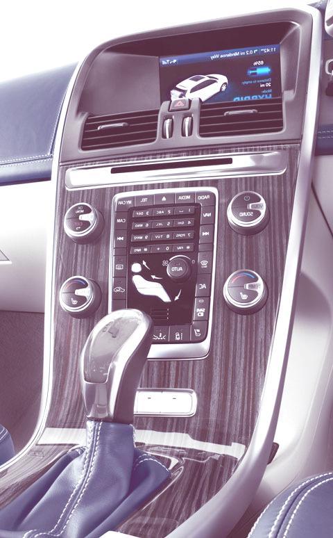 Volvo XC60 Plug-in Hybrid-05