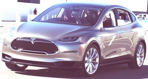 Tesla Model X-10