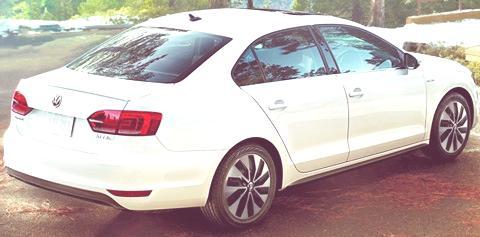 Volkswagen Jetta Hybrid-01