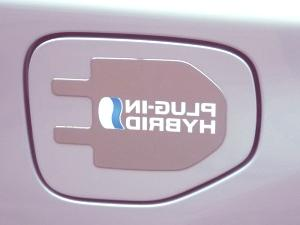 Toyota-Prius-Plug-in-08