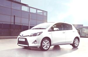 Toyota Yaris Hybrid-14