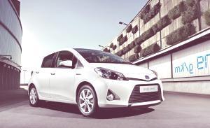 Toyota Yaris Hybrid-18