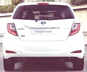 ToyotaYarisHybridchico10.jpg