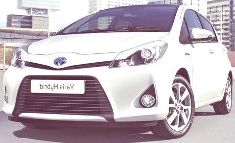 Toyota Yaris Hybrid-chico11