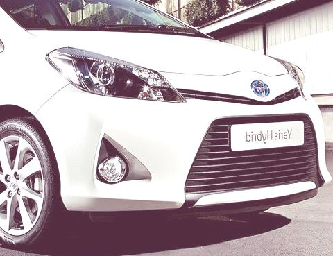 Toyota Yaris Hybrid-chico6