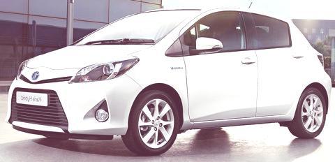 Toyota Yaris Hybrid-chico7