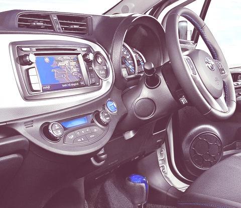 Toyota Yaris Hybrid-chico8