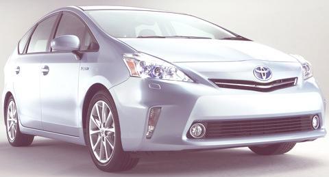 Toyota-Prius_V_2012_03