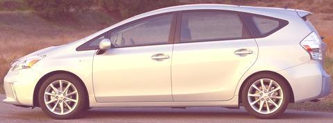 Toyota-Prius_V_2012_08