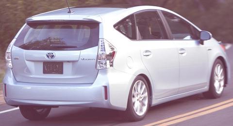 Toyota-Prius_V_2012_09