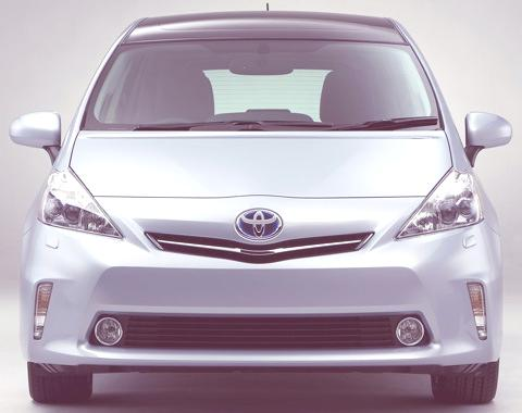 Toyota-Prius_V_2012_11