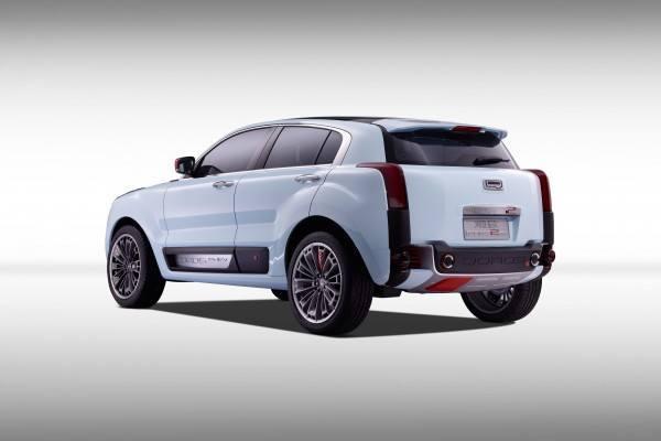 The-Qoros-2-SUV-PHEV-trasera