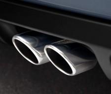 Enfrentamiento entre fabricantes y comisión por los estudios de emisiones