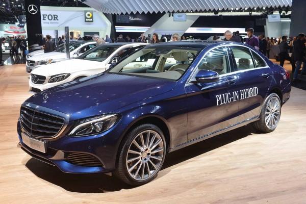 2016-Mercedes-Benz-C350-Plug-In-Hybrid-Detroit-Auto-Show-2015-1