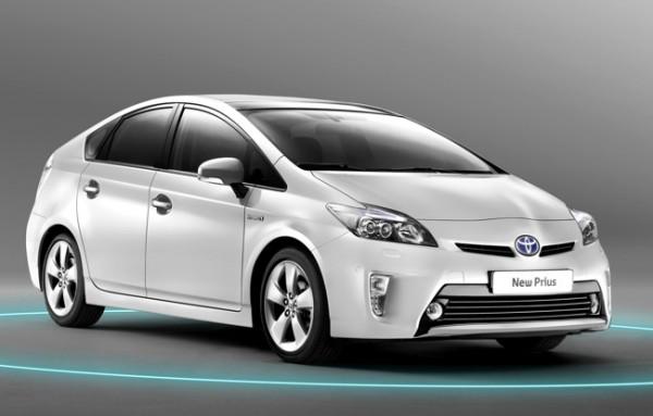 Toyota-Prius-2012-650-01